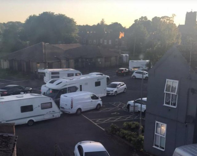 Caravans move onto Farr Park in Worksop last night (picture: @Simon_Greaves)