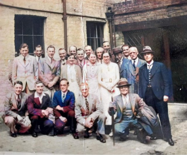 Do you recognise anyone in this photograph?