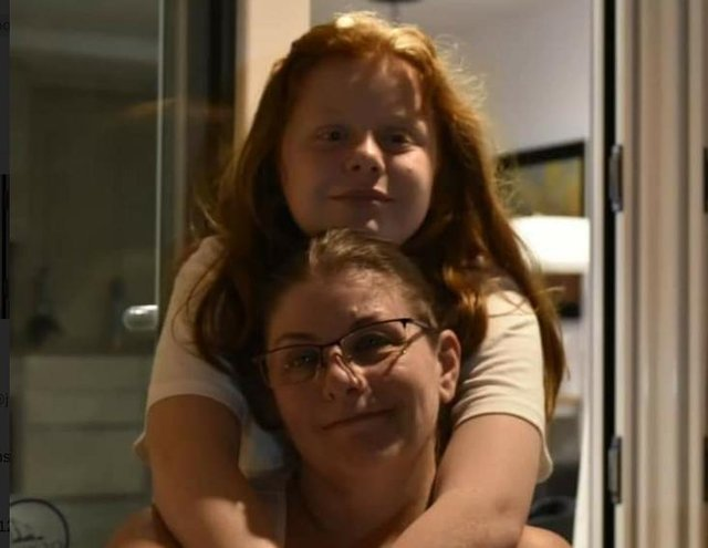Annmarie Connolly with daughter Shannon