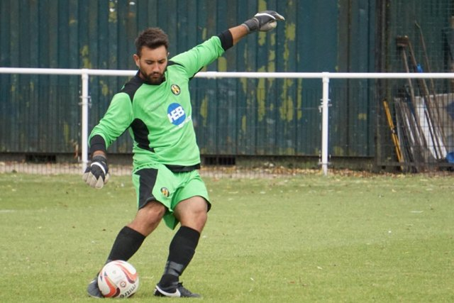 Steve Hernandez playing for Handsworth at Sandy Lane . Pic by Lewis Pickersgill